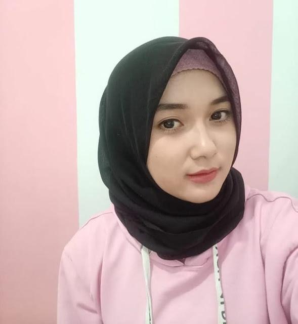 Maya Andin Hijaber From Bandung