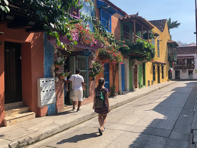 calles coloridas de cartagena de indias