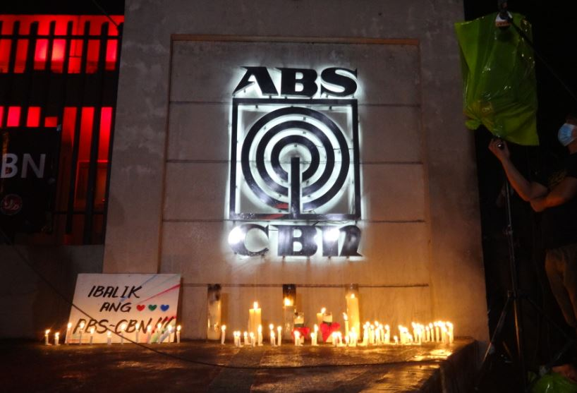 ABS-CBN to lay off workers on August 31
