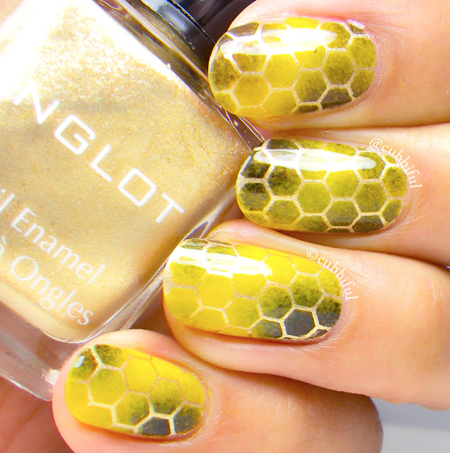 Honeycomb Gradient Nails