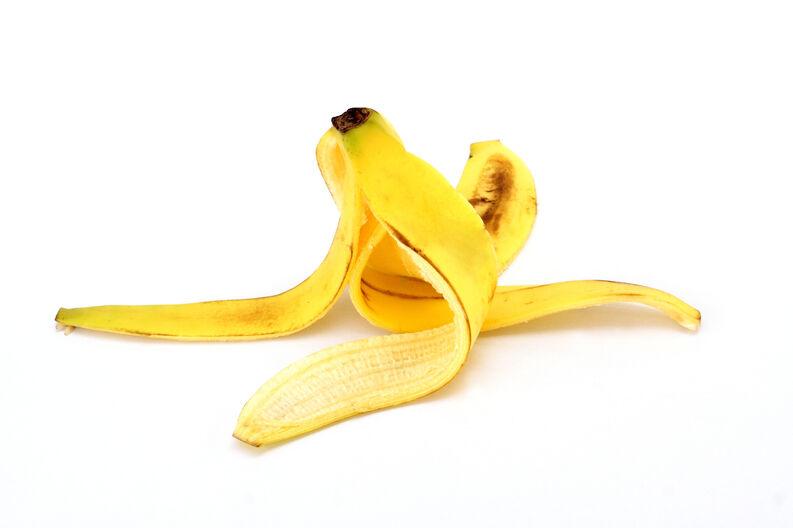 Blanquea tus dientes con cascara de plátano