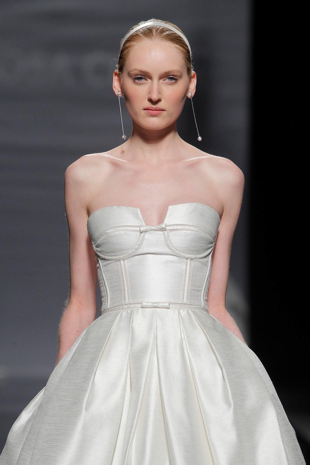 9b258f7791 ¿Con cuál os quedáis de esta nueva colección de Rosa Clará  Imágenes  Barcelona Bridal Week.