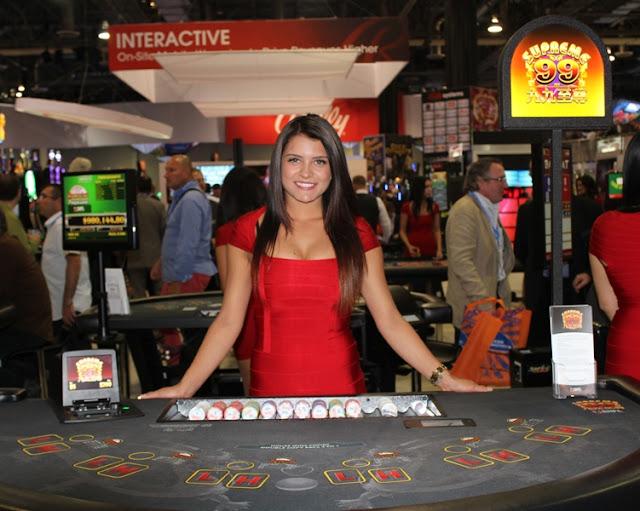 Poker Online Girl