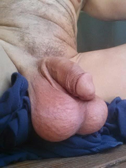 gay lisieux grosses couilles pendantes