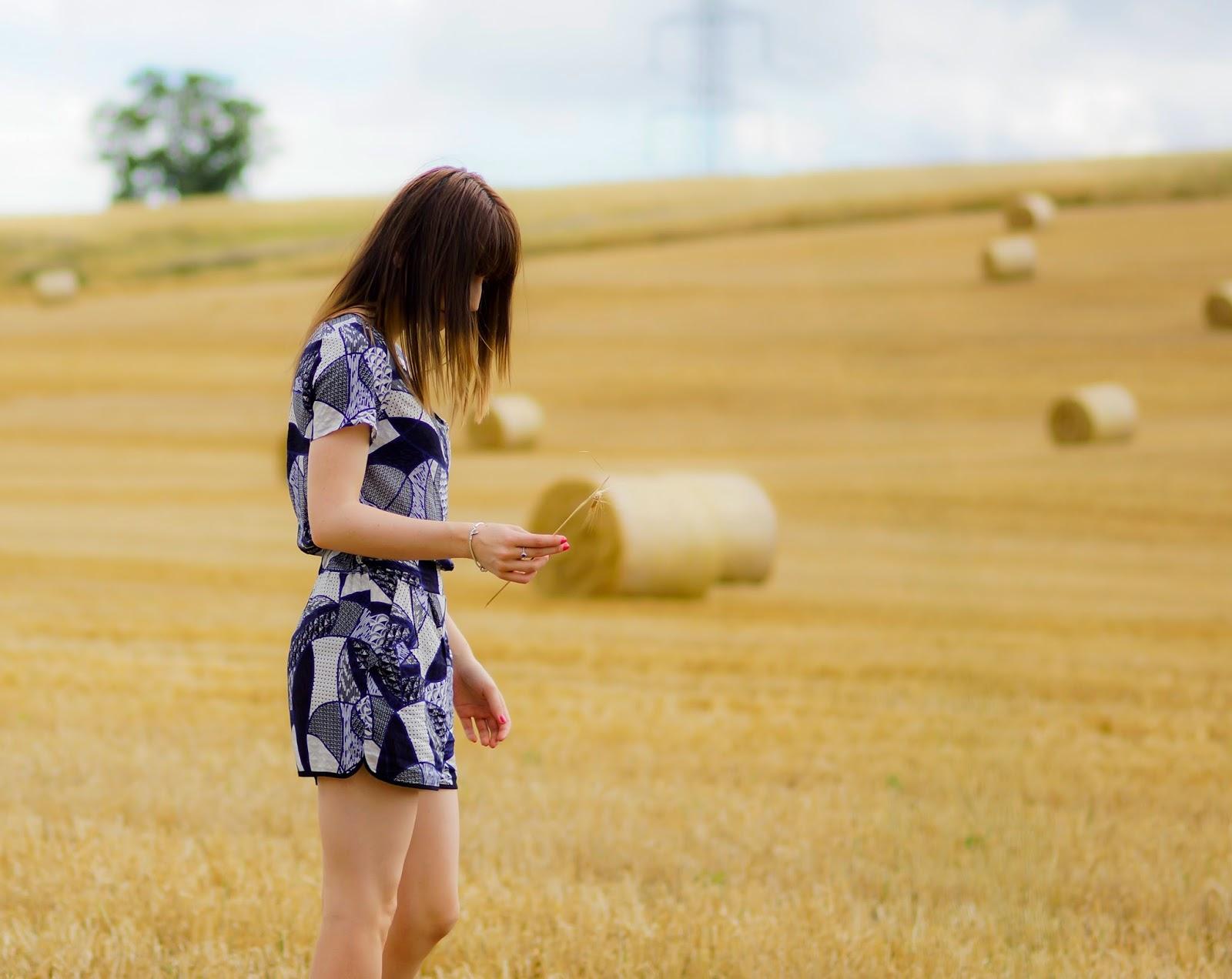 Hello Freckles Hay Bales Harvest OOTD 5