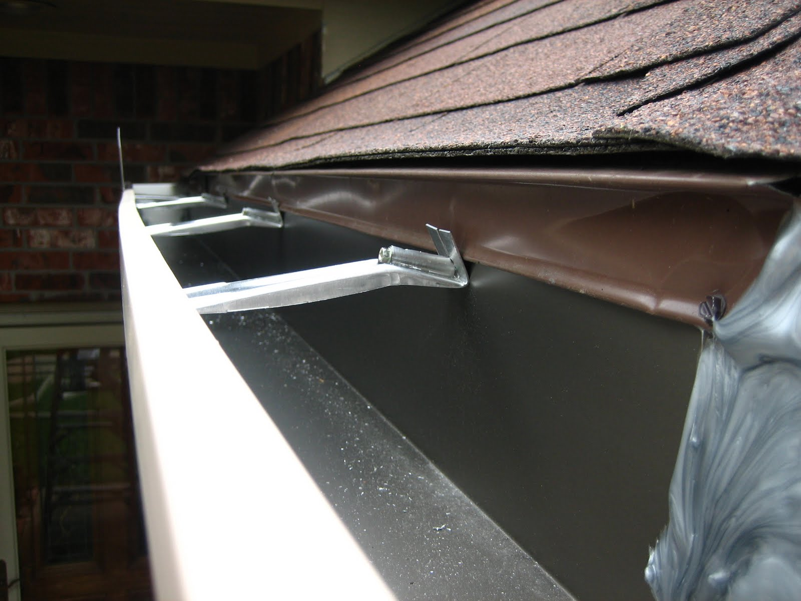 Houston And Gutters Seamless Gutters And Your Options