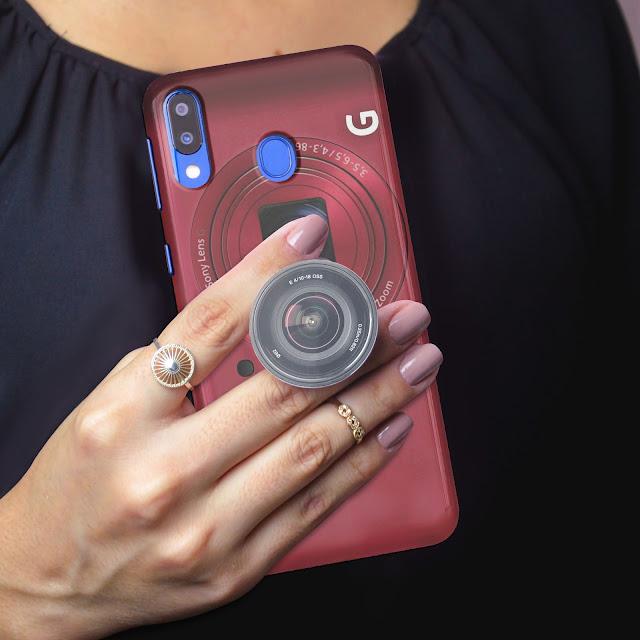 Mockup Custom Case 3D SAMSUNG Galaxy M20 dengan PopSocket