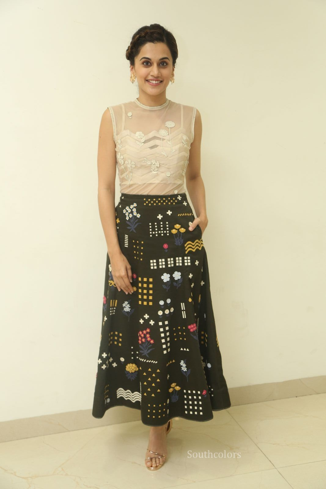 taapsee pannu stills at anando brahma trailer launch southcolors%2B%25282%2529