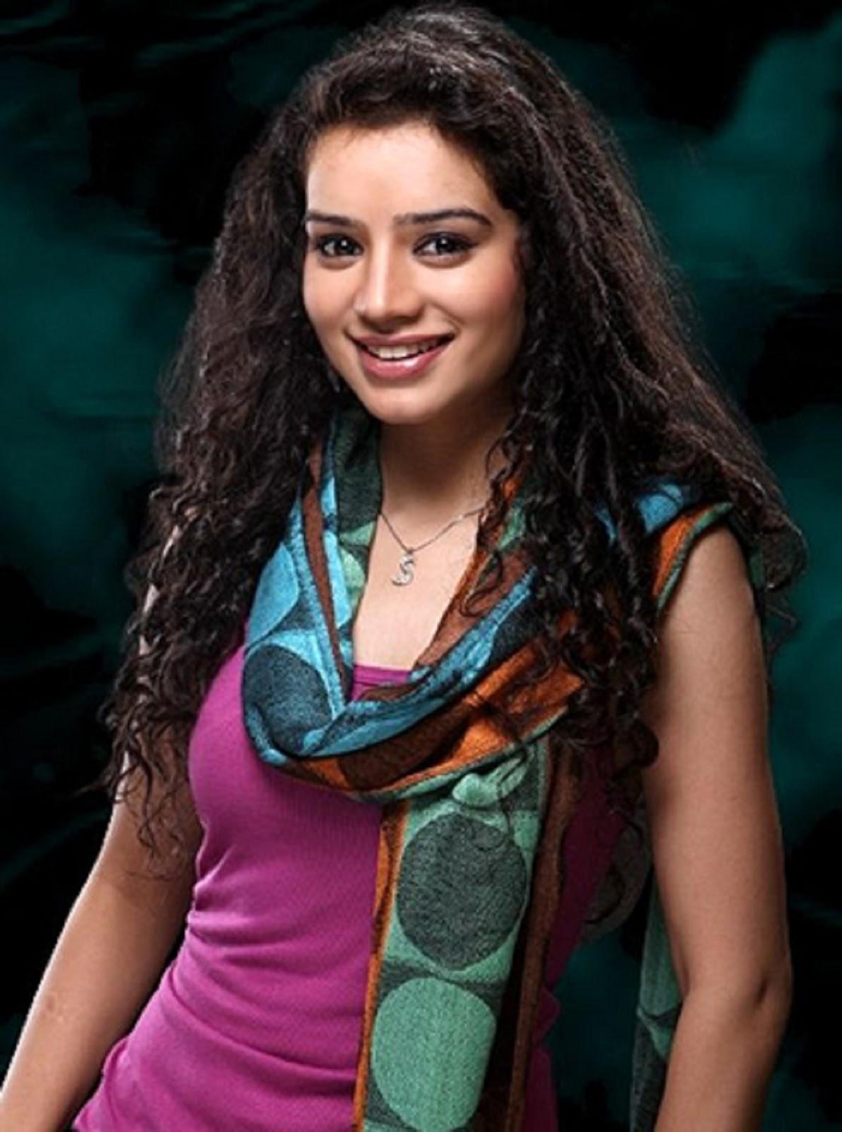 Krystle Dsouza Hd Wallpaper Beautiful Sukirti Kandpal Hd Wallpaper All 4u Stars