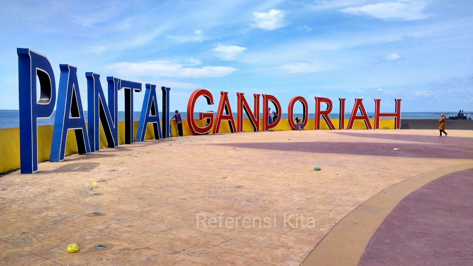 Wisata populer di Pariaman yakni Pantai Gandoriah
