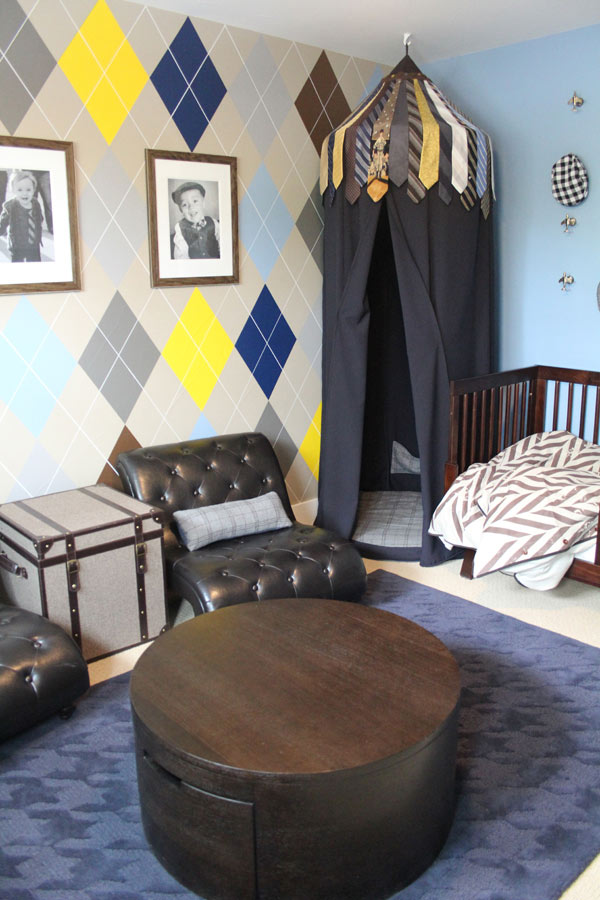 Boy's room argyle feature wall