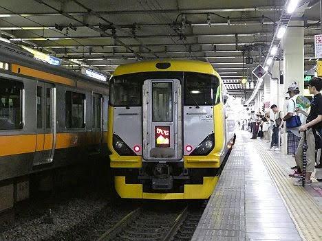 【まさかの専用HMは?】かいじ186号 新宿行き E257系500番台