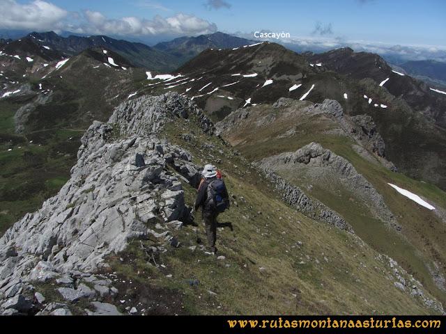 Ruta Les Rapaines, Lago Ubales, Cascayón: De la Peña del Vientu a la Peña Fornos