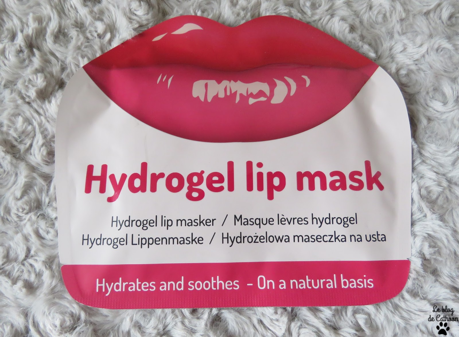 Hydrogel Lip Mask - Mascot Europe - Action
