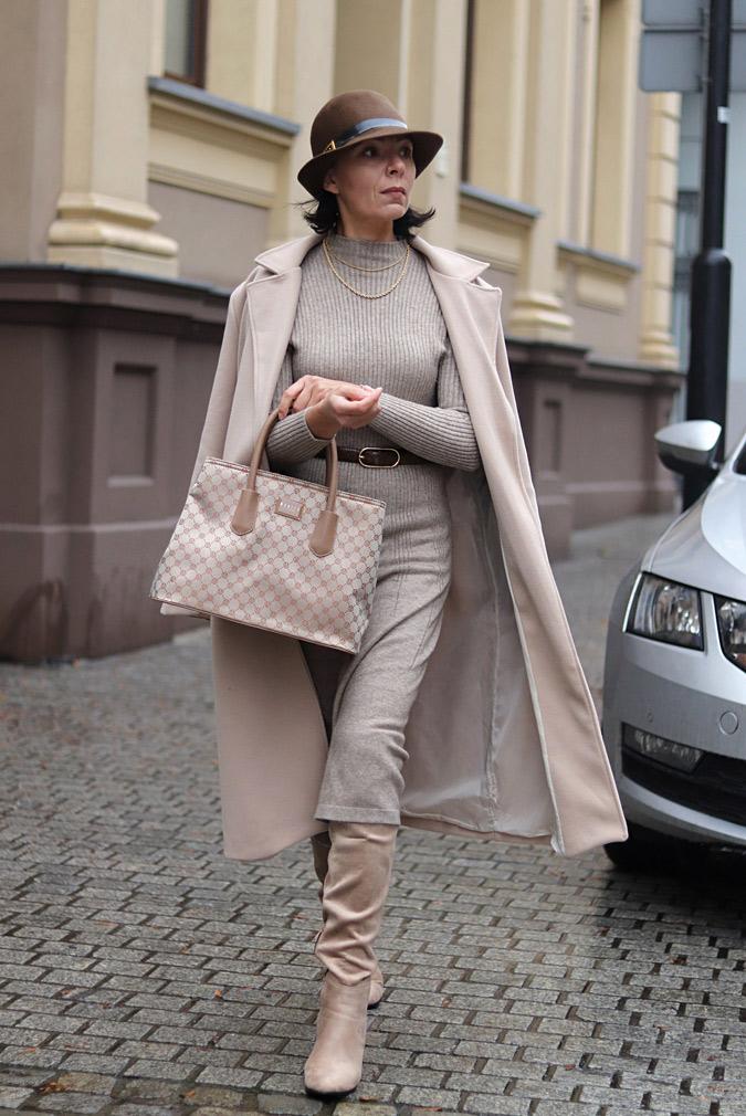 swetrowa sukienka stylizacje