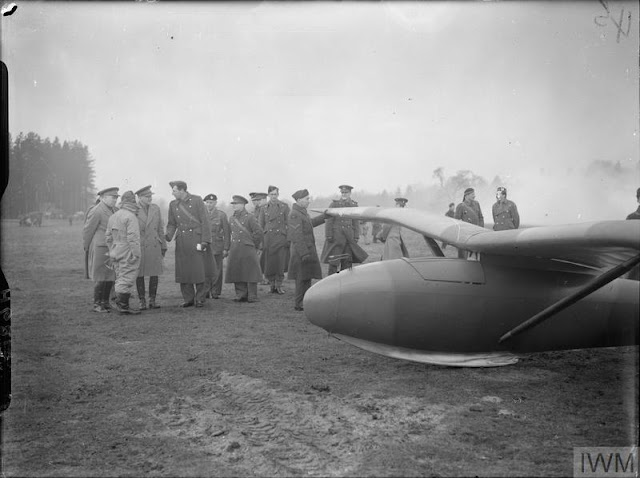22 December 1940 worldwartwo.filminspector.com General Dill glider inspection