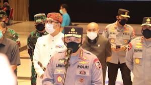 Tinjau Vaksinasi Massal di Bandung, Panglima TNI dan Kapolri Minta Warga Tetap Disiplin Prokes