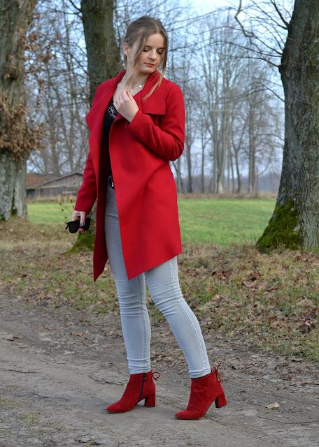 Czerwone bokti, czerwony płaszcz, czerwony kapturek? ♥