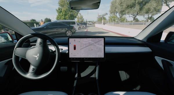 Tesla lança condução 100% autônoma na próxima semana