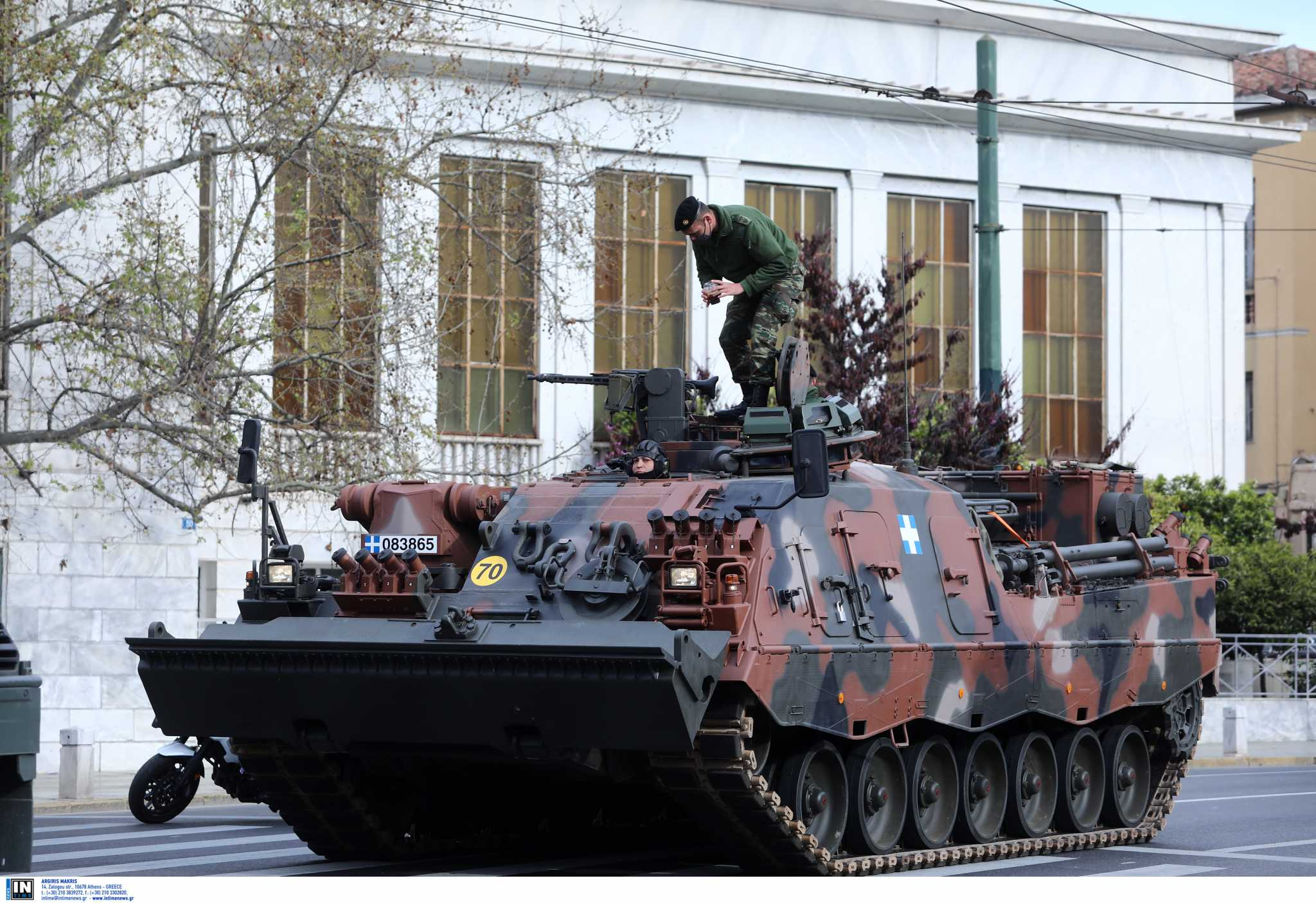Live: Η στρατιωτική παρέλαση για την 25η Μαρτίου