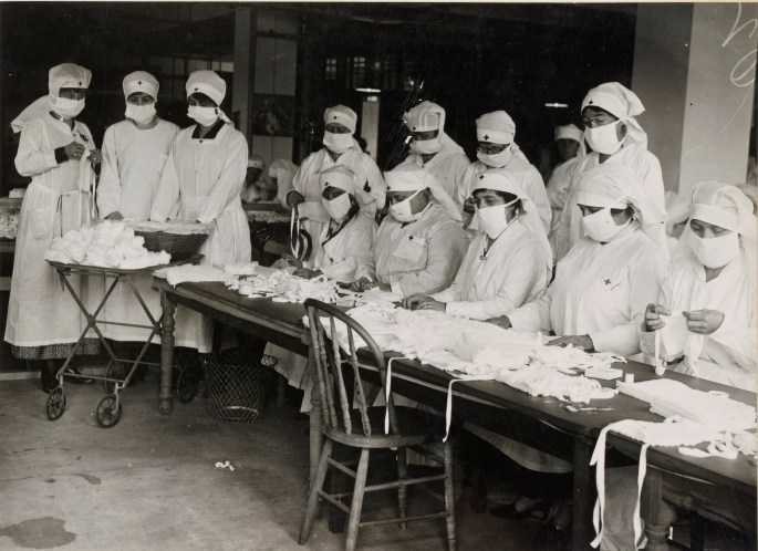 Red Cross workers making anti-influenza masks for soldiers in camp. Boston, Massachusetts. Local Identifier: 165-WW-269B-26