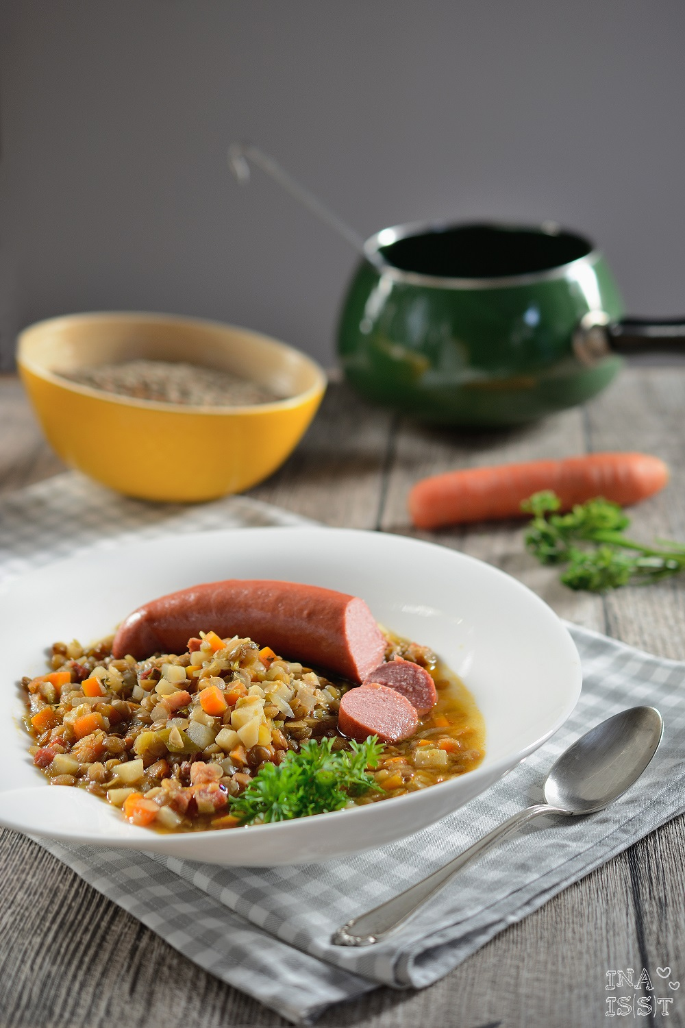 ina is s t einfache linsensuppe mit rindswurst easy peasy lentil soup with beef sausage. Black Bedroom Furniture Sets. Home Design Ideas