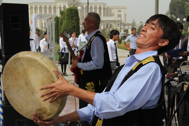 Tadjikistan, Dushanbe, musique, national library, © L. Gigout, 2012