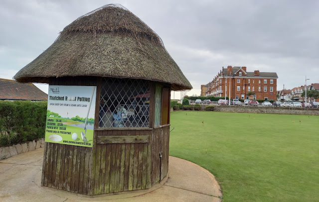 Thatched Roof Putting / Kirkley Cliff Putting Green in Lowestoft, Suffolk