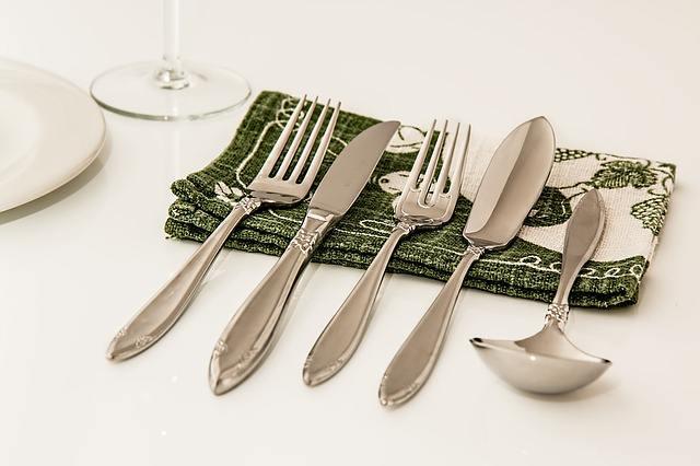 कम बजट में शुरू करें यह बिजनेस | Low Cost Cutlery Business