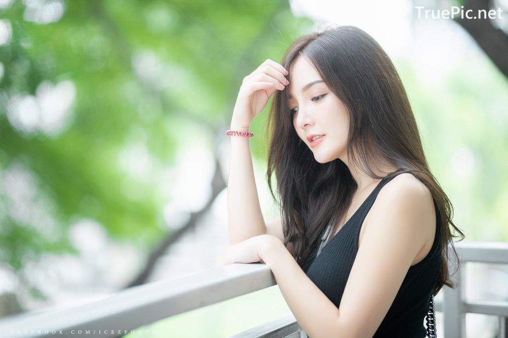 Image-Thailand-Model-Rossarin-Klinhom-Beautiful-Girl-Lost-In-The-Flower-Garden-TruePic.net- Picture-8