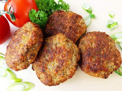 Cutlets from minced beef pigs