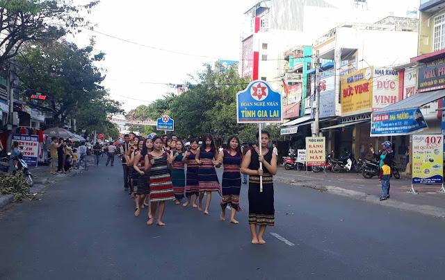 Đoàn Nghệ nhân tỉnh Gia Lai trình diễn tại lễ hội