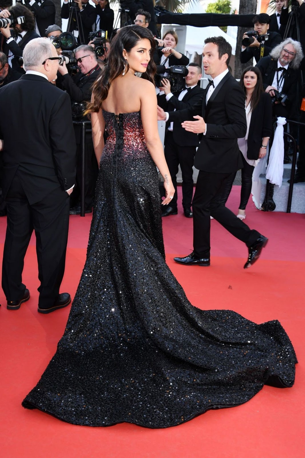 Story image for priyanka chopra from NDTV Cannes 2019: Priyanka Chopra Looks Ethereal On The Red Carpet NDTV-1 hour ago Actress Priyanka Chopra made her debut at Cannes Film Festival in a blinding strapless gown