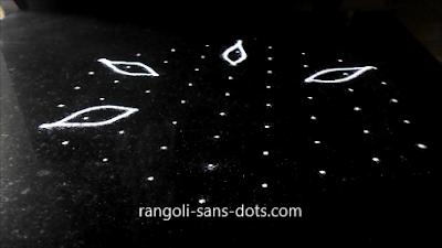 9-dots-muggulu-1111ba.jpg