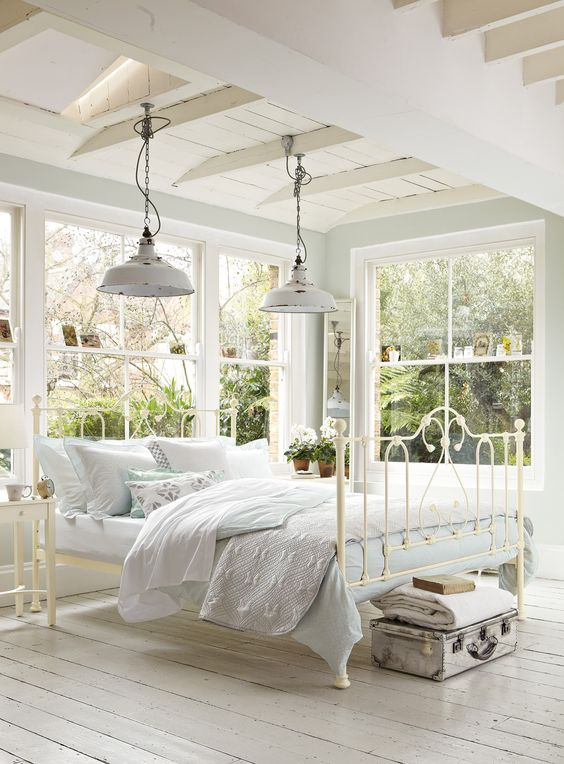 Savvy southern style french farmhouse bedroom style for Farmhouse style bed