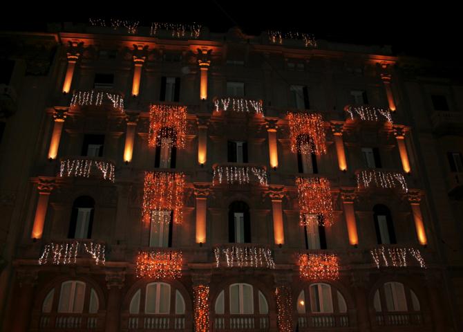 palazzo, fabbricato, Natale 2017, luminarie, luci