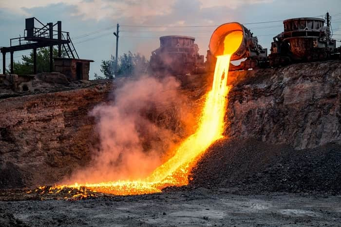 Which Is The Liquid That Gets Freeze When It Touches The Lava