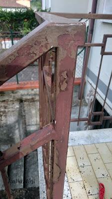 Drapanie balustrady