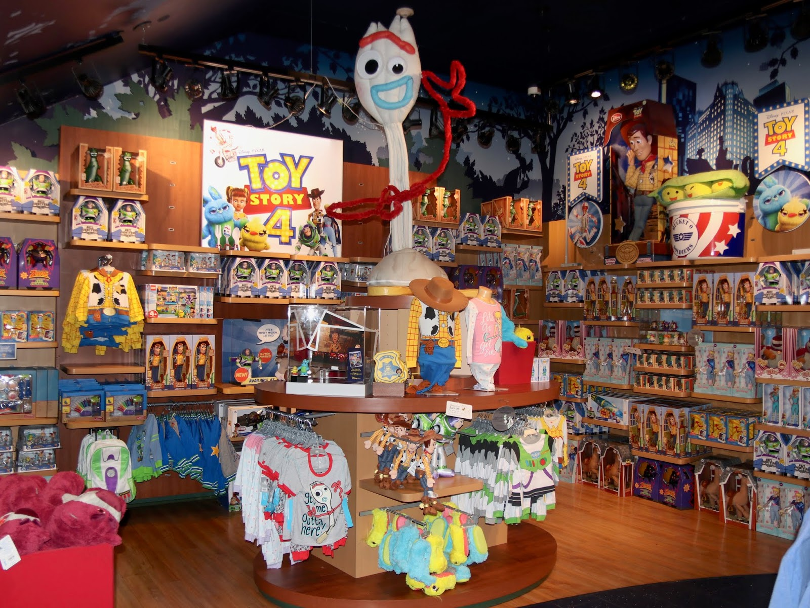 disney store times square toy story 4