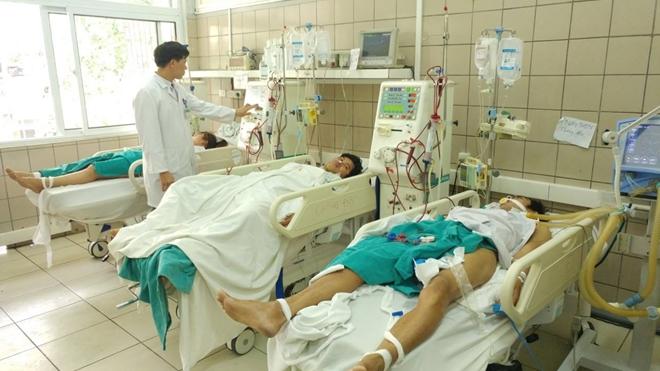 Uống rượu chào mừng 8-3, 7 sinh viên quê Gia Lai bị ngộ độc methanol