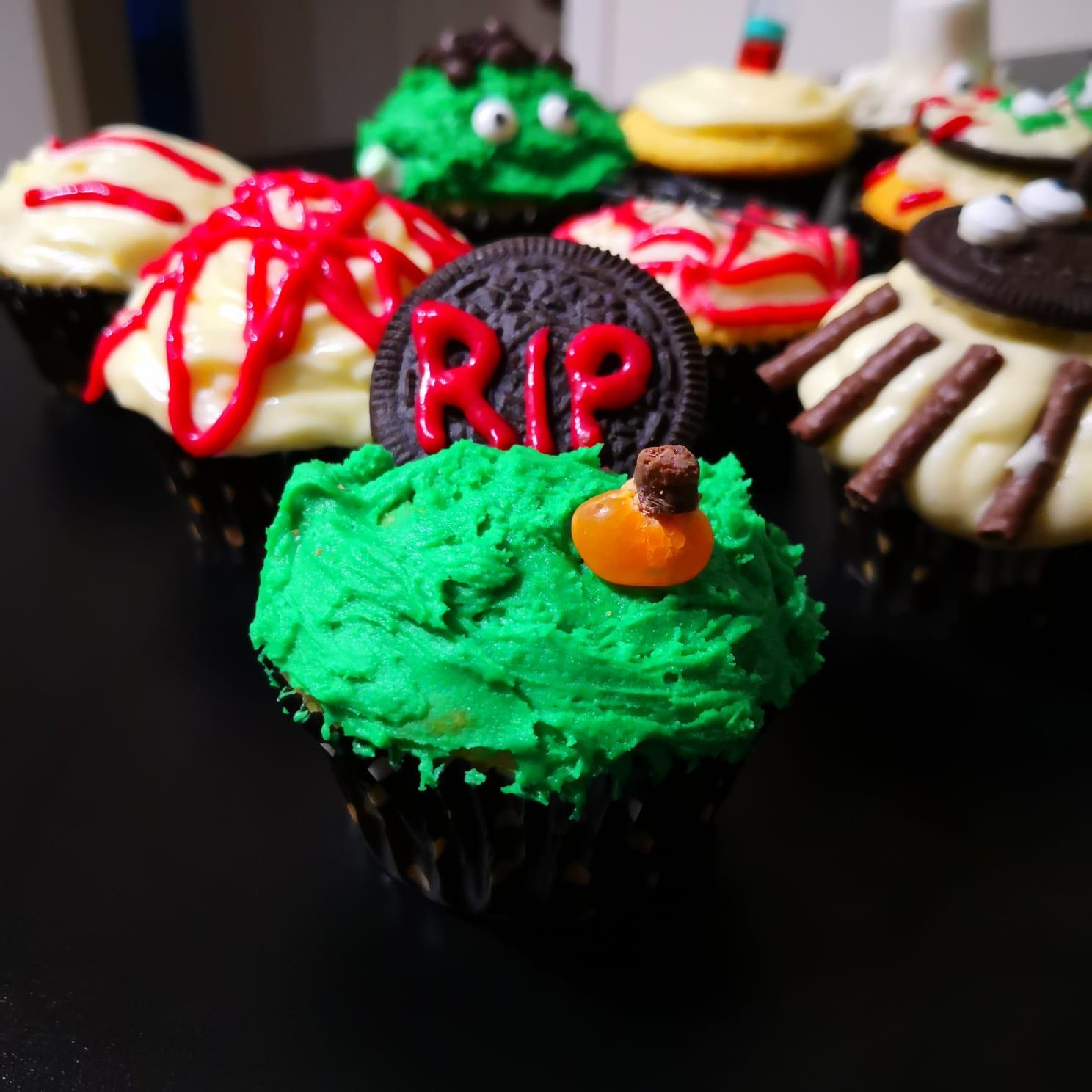 Gravestone Halloween Cupcake