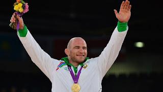 LUCHA LIBRE - El COI arrebata otro oro olímpico de Taymazov por dopaje