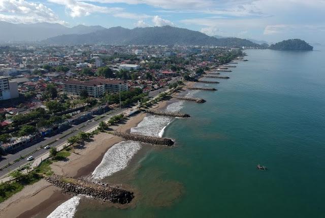 Pantai Padang Sumatera Barat