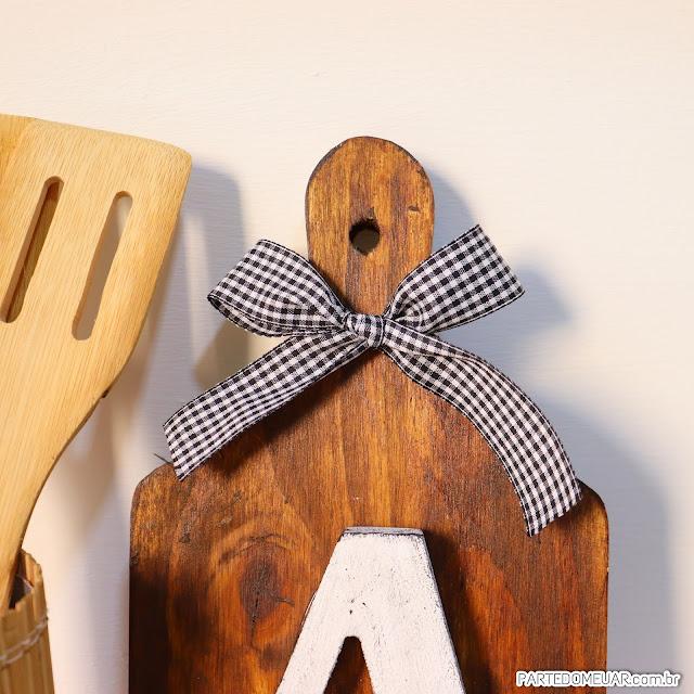 Tábua de madeira decorada