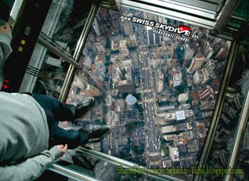 Lift Ekstrim Tembus Pandang