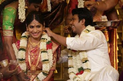 Actress-Vijayalakshmi-gets-married-to-director