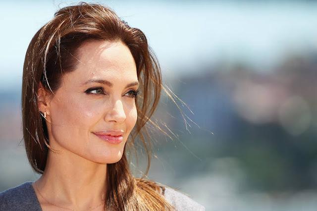 """Angelina Jolie anda muito bem ao contrário do que diz o """"National Inquirer"""""""