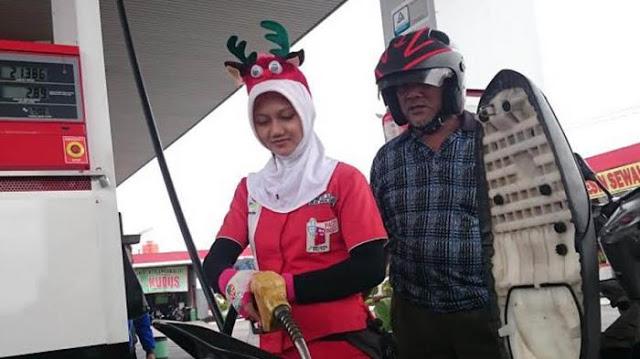 MUI: Jangan Suruh Karyawan Muslim Pakai Atribusi Natal
