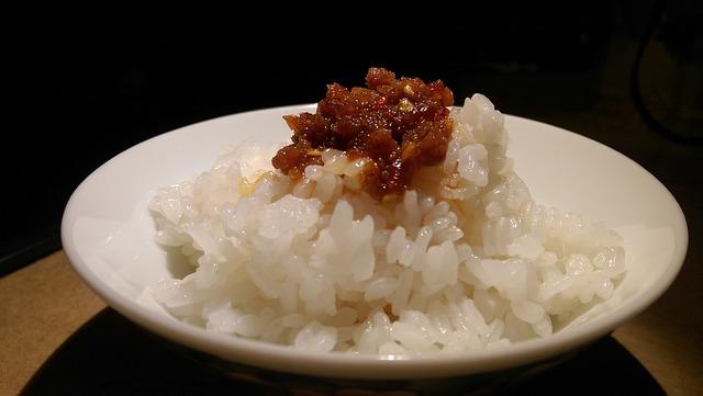 5 receitas ideais para fazer o arroz render mais
