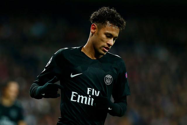"""PSG tranh cầu thủ với MU, tương lai """"khó đoán"""" của Neymar"""